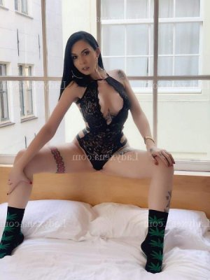 Kiera fille libertine escort girl à Tremblay-en-France